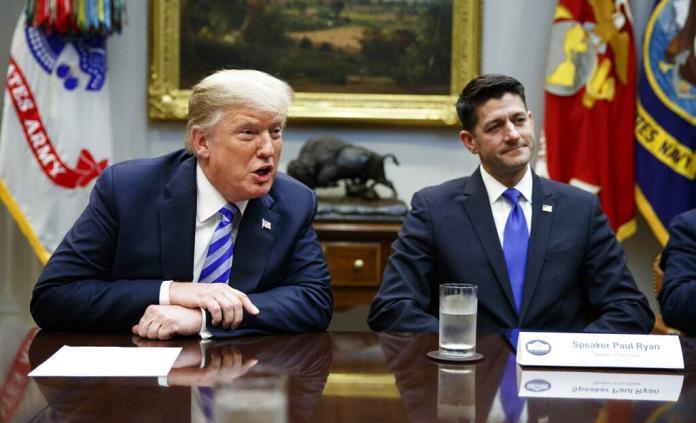 Trump responde con tuits a críticas de exlegislador