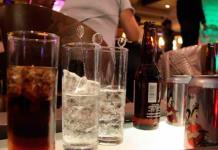 """Diputado propone """"actualizar"""" impuestos al alcohol, tabaco, bebidas azucaradas y comida chatarra"""