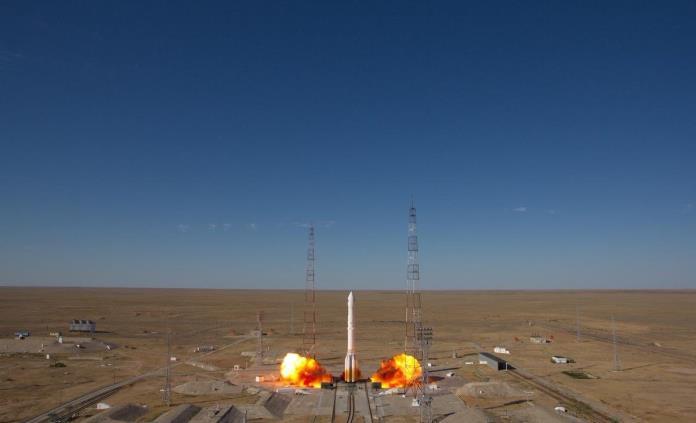 Tras días de demora, Rusia lanza nuevo telescopio al espacio