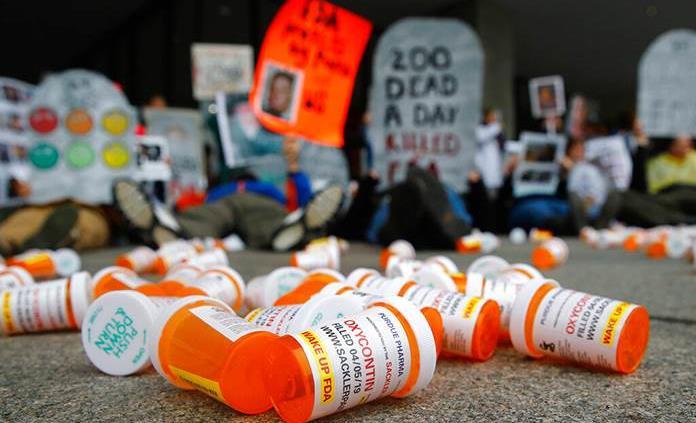 Muertes por sobredosis en EEUU parecen estar disminuyendo
