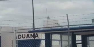 Amaga reo del penal de Rioverde con lanzarse al vacío