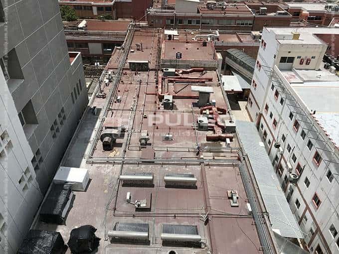 El área posterior que será demolida para el nuevo edificio de servicios generales y para el estacionamiento.