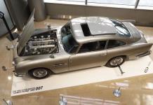 El Aston Martin espía de James Bond, a subasta en California