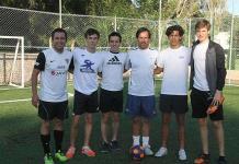 Jóvenes adquieren técnica y habilidad en el futbol