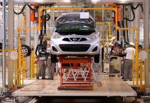 Nissan tropieza; registra números rojos en México