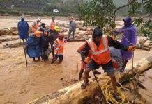 Lluvias monzónicas dejan 250 muertos y miles de desplazados en India