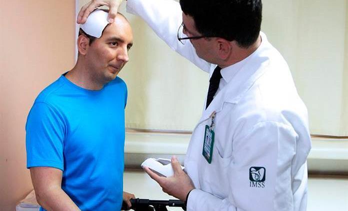 Especialistas del IMSS reconstruyen con éxito cráneo a deportista