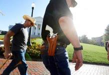 Armería de Arizona desata la polémica con promoción de Regreso a la escuela