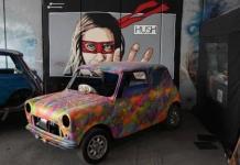 Fanáticos de todo el mundo celebran los 60 años del Mini en Gran Bretaña