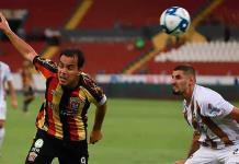 Omar Bravo regresó al futbol por promesa a su madre