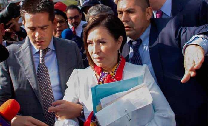 Historia: La entrega de Rosario Robles de Sedesol a Meade en 2015