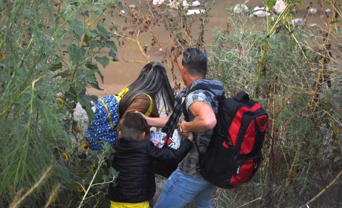 Denuncian que Patrulla Fronteriza de EEUU disparó gas pimienta a mexicanos