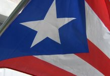Vecinos prohíben a veterana colocar una bandera puertorriqueña en Florida