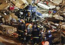 Derrumbe de una casa en puerto chileno de Valparaíso deja al menos 6 muertos