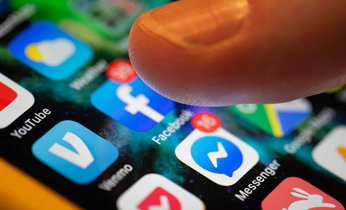 Reconoce Facebook que pagó por transcripciones de audios intercambiados a través de Messenger