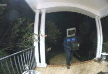 Investigan misteriosa aparición de 50 televisores viejos afuera de viviendas en Virginia (VIDEO)