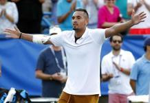 Multan a Kyrgios por insultar al juez y salir de la cancha para romper dos raquetas