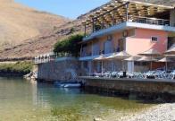 Demuelen restaurante de albanés que atacó a familia de empresario español