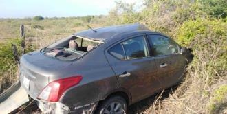 Automovilista se impacta contra una vaca en Tamuín; hay cinco personas heridas