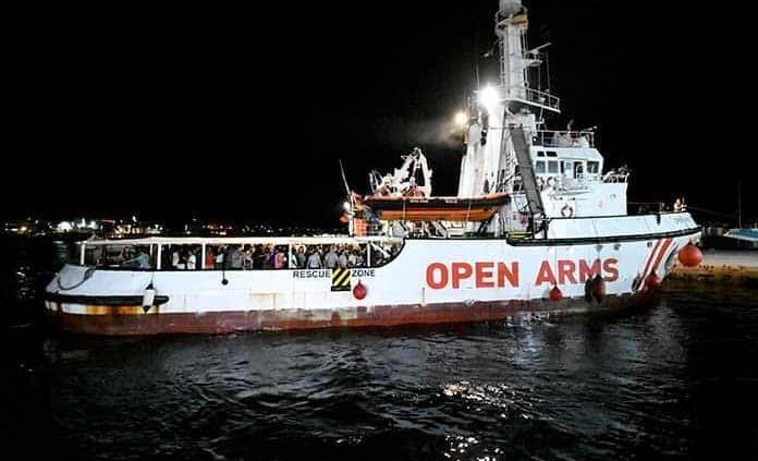 Italia inmoviliza por anomalías barco de rescate de inmigrantes Open Arms