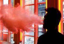 Estado de Nueva York prohibe cigarrillos electrónicos con sabor a dulce