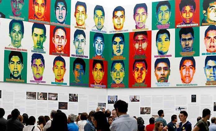 Padres de desaparecidos de Ayotzinapa se reunirán con Gertz Manero: AMLO