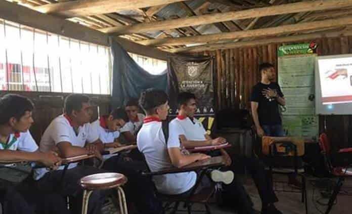 En aulas de madera y lámina estudian alumnos del EMSAD