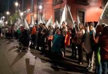 Telefonistas pensionados se manifiestan en Palacio Nacional