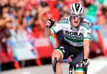 Bennett gana etapa 14 de la Vuelta; Roglic mantiene punta