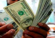Dólar se mantiene en 23.54 pesos a la venta
