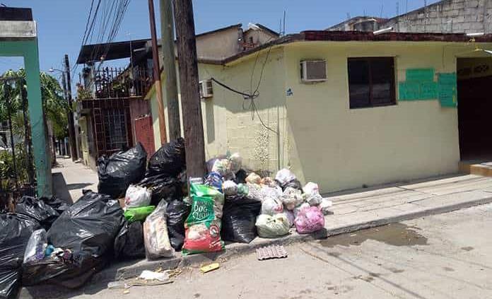 Empresario ofrece camiones para recolectar la basura