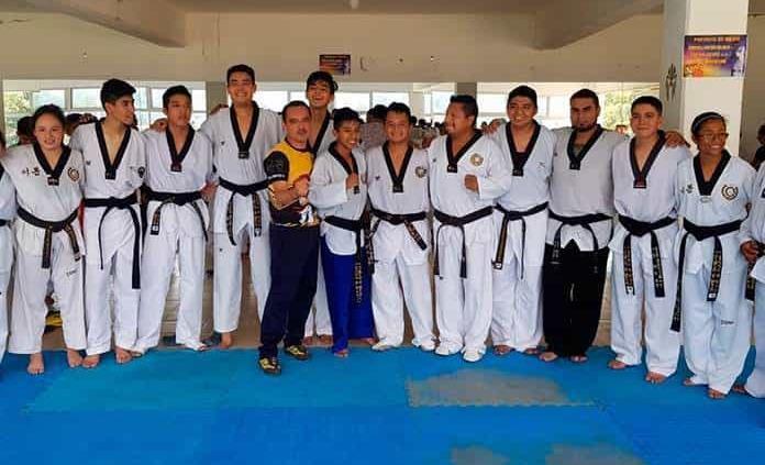 Escuela de Taekwondo se prepara para eventos nacionales