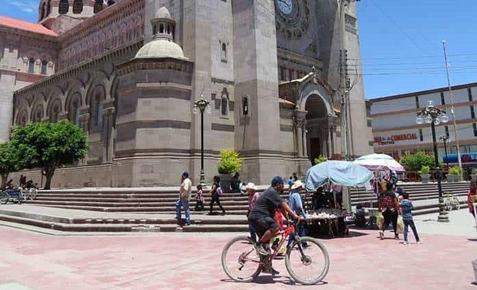 Invaden los ciclistas las áreas peatonales