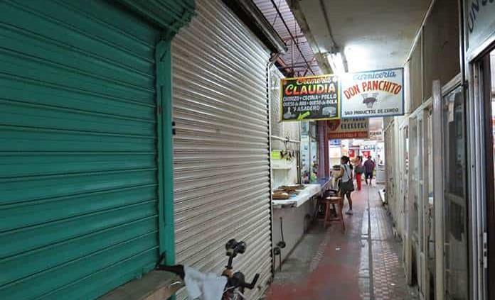 Mercado Gonzalo N. Santos, a merced de los ladrones