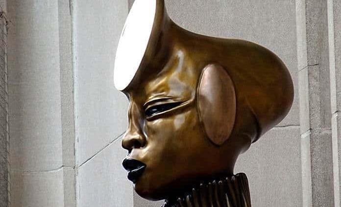 Cuatro monumentales cariátides africanas dan bienvenida al Met