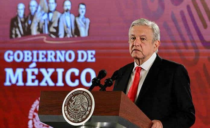 AMLO asegura que la CNTE no lo presionó para promover plazas para normalistas