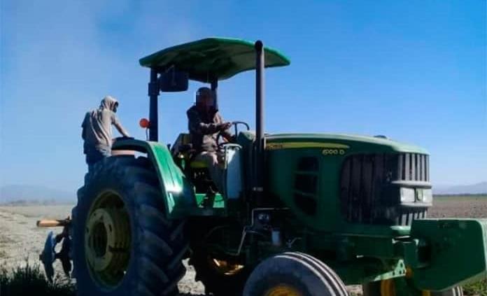 Ofrecen recompensa de 150 mil pesos para recuperar tractor robado en Rioverde