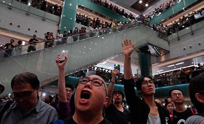 Gobierno de Hong Kong pide calma