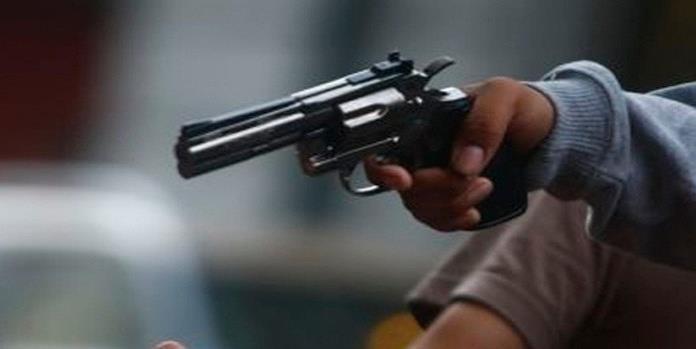En menos de una hora, hombres armados roban dos vehículos en Lomas y Villa Magna