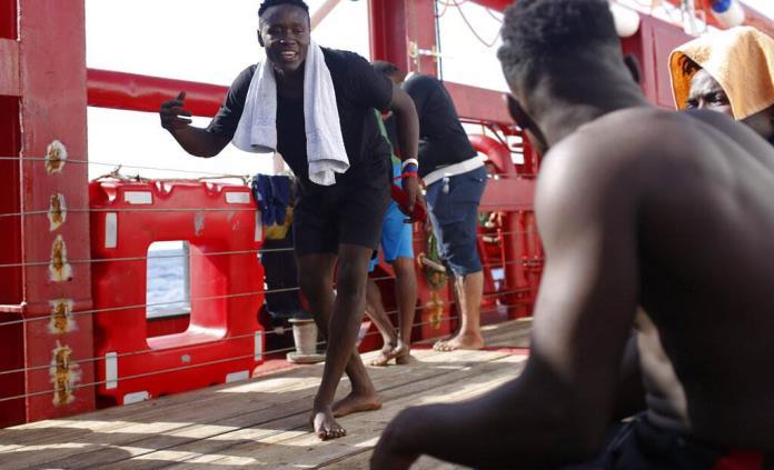 Abusos impulsan a africanos a buscar nueva vida en Europa