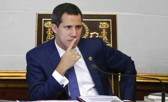Guaidó niega vínculos con paramilitares