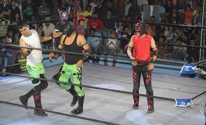 Mañana, función gratuita de lucha libre en La Pila
