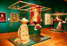 La moda y joyas de los zares rusos llega al Hermitage de Ámsterdam