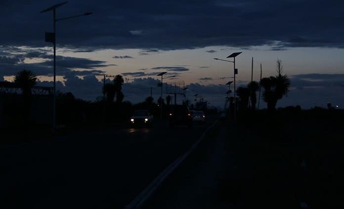 A oscuras por robos, camino al aeropuerto