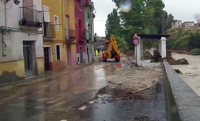 Lluvias torrenciales dejan 6 muertos en sureste de España