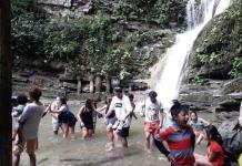 Miles de turistas disfrutan de las cascadas en Xilitla