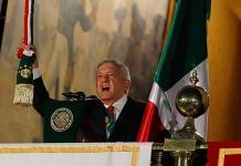 """López Obrador y sus 20 """"vivas"""""""