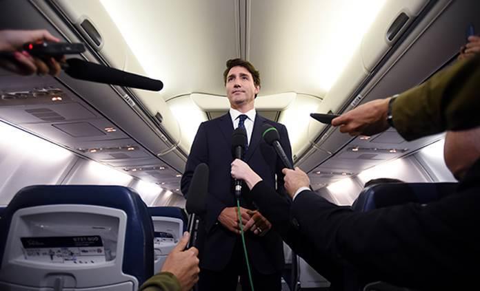 Justin Trudeau reconoce que posó en fotografía