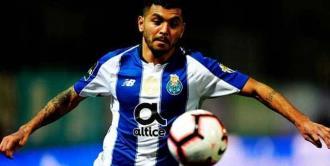 Tecatito es titular en triunfo del Porto
