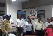 Protesta AMOTAC en SCT por insuficiencia de médicos para certificar trámites de licencias